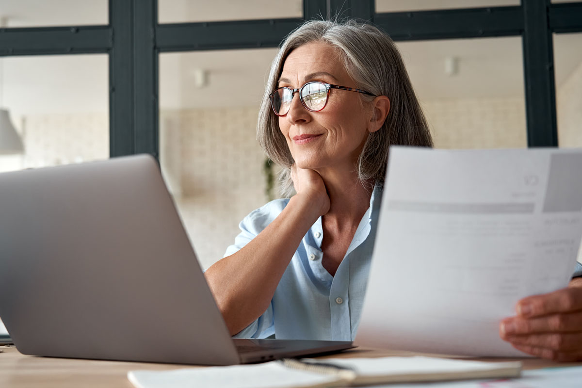 Denise Holland Woman-on-laptop01